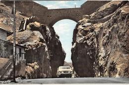 """06956 """"ADEN - MAIN PASS"""" ANIMATA, AUTO ANNI '50. CART. ILL. ORIG. NON SPED. - Yemen"""