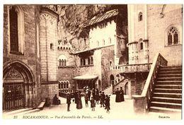 CPA 46 Lot Rocamadour Vue D'ensemble Du Parvis Animé - Rocamadour