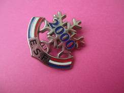 Médaille De Sport/ Ski /Flocon  / E S F / DECAT / Paris /2000   SPO173 - Sports D'hiver