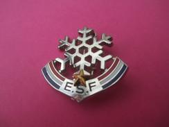 Médaille De Sport/ Ski /Flocon Avec Une étoile  / E S F / Vers 1970                           SPO172 - Winter Sports