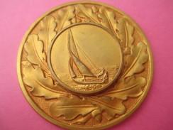 Insigne  De Sport/ Voile/ Régate/Bronze Doré/ Feuilles De Chêne/ Vers 1970                  SPO168 - Sports