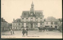 Place Et Hôtel De Ville - Verzy