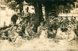 Cpa Photo ANGOULEME 16 Militaires Du 107ème Régiment D' Infanterie Au Repos - Angouleme