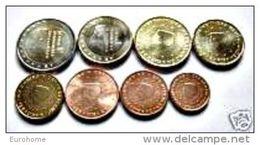 Nederland   2005    De Volledige Set Van 8 Munten / 8 Pieces De 1ct A 2 Euro .     UNC Uit De Rol  UNC Du Rouleaux - Paises Bajos