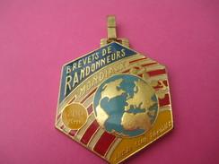 Médaille / Brevets De Randonneurs Mondiaux / 200 Km/AUDAX Club Parisien / Vers 1980-1990               SPO176 - Cyclisme