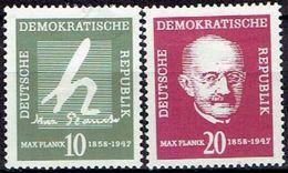GERMANY  #  FROM 1958 STAMPWORLD 372-373* - [6] République Démocratique