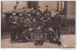 AK Foto Deutsche Soldaten - Stube 142 - Inf. Reg. 159 - Feldpost Ers. Batl. I.R. 159, II. Rekr. Dep. - 1915  (24699) - Guerra 1914-18