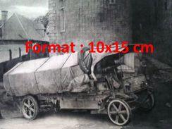 Reproduction D'une Photographie Ancienne D'un Premier Camion Transportant Le Roquefort - Reproductions