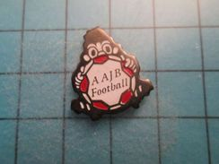 Pin116c Pin's Pins /  ASSOCIATION AAJB CLUB FOOT FOOTBALL , Belle Qualité ;  Marquage Au Dos : --- - Calcio