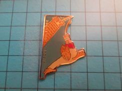 Pin116c Pin's Pins / Grand Pin's SAUT A L'ELASTIQUE VIADUC DE LA SOULEUVRE  , Belle Qualité ;  Marquage Au Dos : --- - Pin's & Anstecknadeln