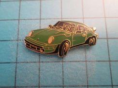 Pin116c Pin's Pins / Grand Pin's PORSCHE COULEUR BLEU VERT OU PISTACHE Quoique La Pisse Qui Tache Soit +tôt Jaune ... - Porsche