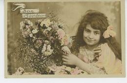 """ENFANTS - LITTLE GIRL - MAEDCHEN - Jolie Carte Fantaisie Portrait Fillette Et Fleurs """"Bon Souvenir """" - Portraits"""