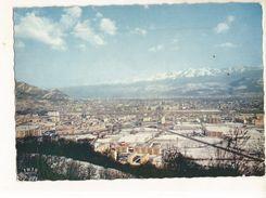 CPSM, D. 38 , N°185-175, Grenoble Ville Olympique , Vue Générale Au Fond La Chaîne De Belledonne  Ed. La Cigogne ,  1969 - Grenoble