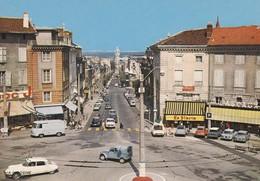 87 : LIMOGES  La Place Denis DUSSOUBS Et L'avenue De La République , Vieilles Voitures Citroen 2cv  , Renault 4cv Simca - Limoges