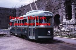 Reproduction D'une Photographie D'un Tramway N° 8025 Ligne 12 Centocelle St Termini à Rome En Italie En 1971 - Riproduzioni