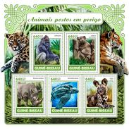 GUINEA BISSAU 2017 - Endangered Species, Rhinoceros. Official Issue - Rhinozerosse
