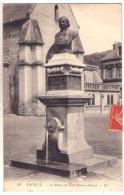 (76) 978, Pavilly, LL 11, La Statue De Noel Honoré Fauvel - Pavilly