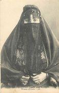 A-17-8643 : WOMEN OF CAIRO - Kairo