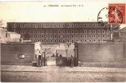 CPA N°4109 - LOT DE 2 CARTES DE PERONNE - CASERNE FOY AVANT ET APRES BOMBARDEMENTS - MILITARIA 14-18 - Peronne