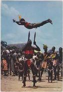 AFRIQUE,TOGO,DANSE DES COUTEAUX,artiste Noir,enfant Voltigeur à Plume,prise De Risque Important,édition HOA-QUI - Togo