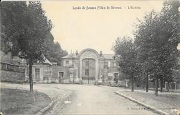 Lycée De Jeunes Filles De Sèvres - L'Entrée - Edition H. Tourte & M. Pétitin - Schools