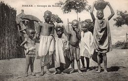 AFRIQUE OCCIDENTALE FRANCAISE SENEGAL DAKAR GROUPES DE JEUNES ENFANTS NOIRS - Französisch-Guinea