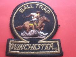 BALL TRAP WINCHESTER  Écusson Blason Brodé En Tissu CHEVAL COW BOY ---America - Patches