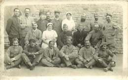 MILITARIA - 300717 - CARTE PHOTO Hôpital Militaire - 52 LANGRES 1916 - Infirmière Infirmier Blessé Convalescent - Langres