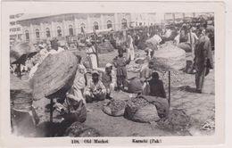 Carte Photo,asie, Rare Pakistan,KARACHI 1954,OLD MARKET,le Marché,système Débrouille,légume,fruit,métier,marchand,rare - Pakistan