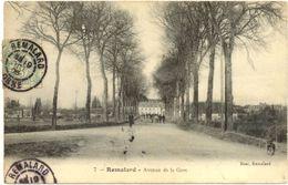 61/ CPA : Remalard - Avenue De La GAre - Remalard