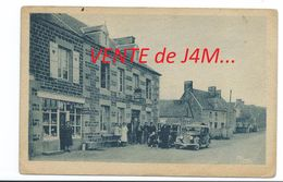 50/ MANCHE...REFFUVEILLE. Route Avranches-Mortain...CAFE, Voitures Anciennes... BELLE ANIMATION - France