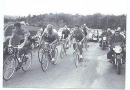 CPM Cyclisme Sur Route Paris Tours 1959 - Echapée De Sept Coureurs Dont Rik Van Looy Ed Nouvelle République (Numéro D'ob - Cyclisme