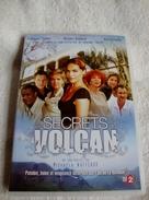Dvd Zone 2 Es Secrets Du Volcan (2006) Intégrale  Vf - Séries Et Programmes TV