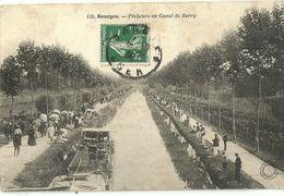 Bourges Pecheurs Au Canal De Berry - Bourges