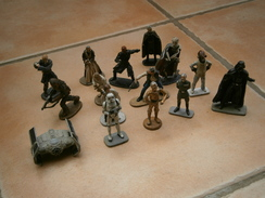 Lot De Figurines EN PLOMB STAR WARS 2005 LUCASFILM Dans L'état - Episode II