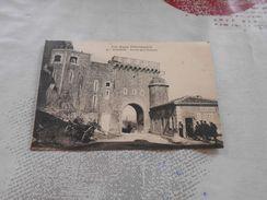 2742 - CPA ,Sisteron , Portail De La Saunerie - Sisteron
