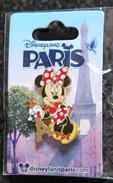DLP - Minnie Holding Eiffel Tower - Disney
