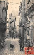 Vitré       35         Rue Baudairie . Marchand De Peaux De Lapins.Enfants Et Cerceaux   (voir Scan) - Vitre