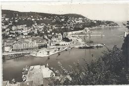 2005. NICE . ENTREE DU PORT ET LE MONT BORON . CARTE GLACEE NON ECRITE - Transport Maritime - Port