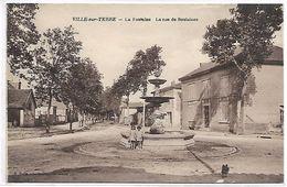 VILLE SUR TERRE - La Fontaine - La Rue De Soulaines - France