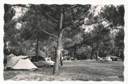 Jard-sur-Mer - Terrain De Camping - Voitures (Aronde,traction) Edit: La Cigogne - Other Municipalities