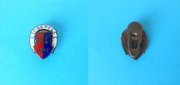 CSEPEL SC Budapest - Hungary Football Soccer Club Vintage Enamel Buttonhole Pin Badge Fussball Anstecknadel Distintivo - Football