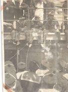 MARINS SUR LE PONT D'UN BATEAU   PHOTO SEPIA 8X5,5cm - Guerre, Militaire