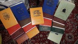 """Lot De 19 Volumes  De La Collection """"Connaissance De... L'.Asie , L'Afrique, Des Ameriques, Des Iles - La Pléiade"""