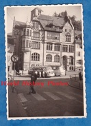Photo Ancienne - TRIBERG ( Baden Württemberg ) - Autobus Devant La Deutsch Bank - 1958 - Cars