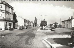 CPSM 82 - Valence D'Agen  Avenue De La Gare - Valence