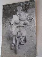 D152246  Old Photo   Child Biking  With A Huge Teddy Bear  Biker Bike Bicycle Vélo Fahrrad  - Ca 1960 - Cyclisme