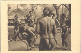 Oubangui  Chari – A.E.F. - Femmes Au Tam-tam ( Seins Nus, Scarifications ) - Cartes Postales