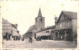 """Keerbergen - Gemeenteplaats - Hôtel Het Moleken , """"Ga Naar De Mis"""", Oldtimer - Keerbergen"""
