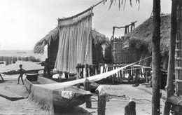 Afrique Noire - Village De Pecheurs - Postales